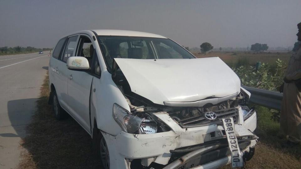 Mohan Bhagwat's car collided with another vehicle in his motorcade on the Yamuna Expressway in Mathura district.