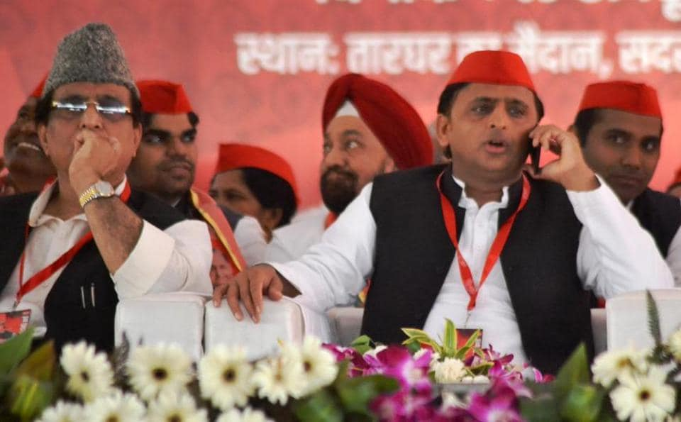 The move is being seen as thaw in their relation and the first communication between Akhilesh and Shivpal ever since the family feud.