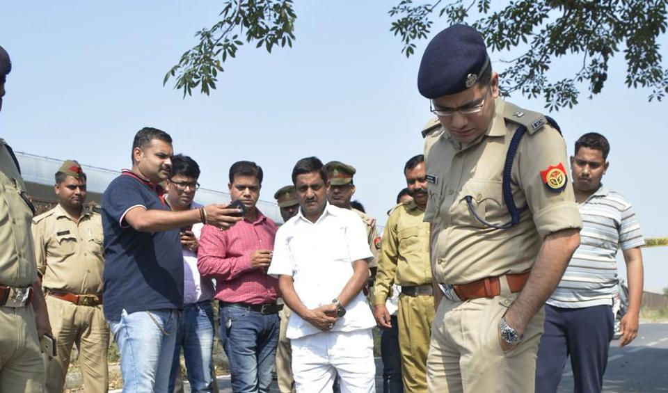 The Ghaziabad police, on Friday, arrested an armed robber after a shootout near Vasundhara culvert in broad daylight.