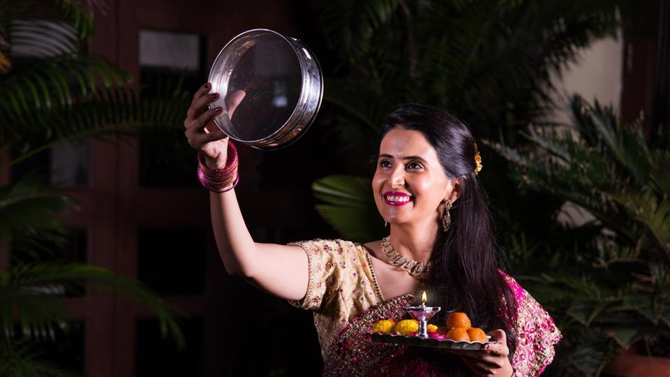 Karwa Chauth,Karwa Chauth 2017,Why Is Karwa Chauth Celebrated