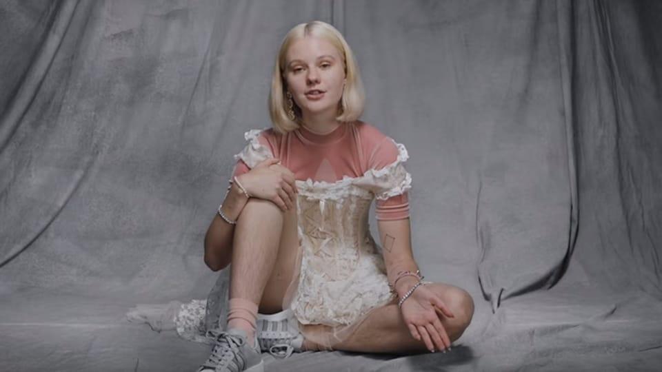 Swedish model,Rape threats,Unshaved legs
