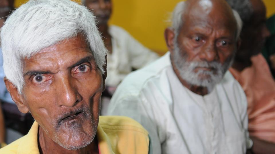 Elderly people,Elderly,Economically privileged