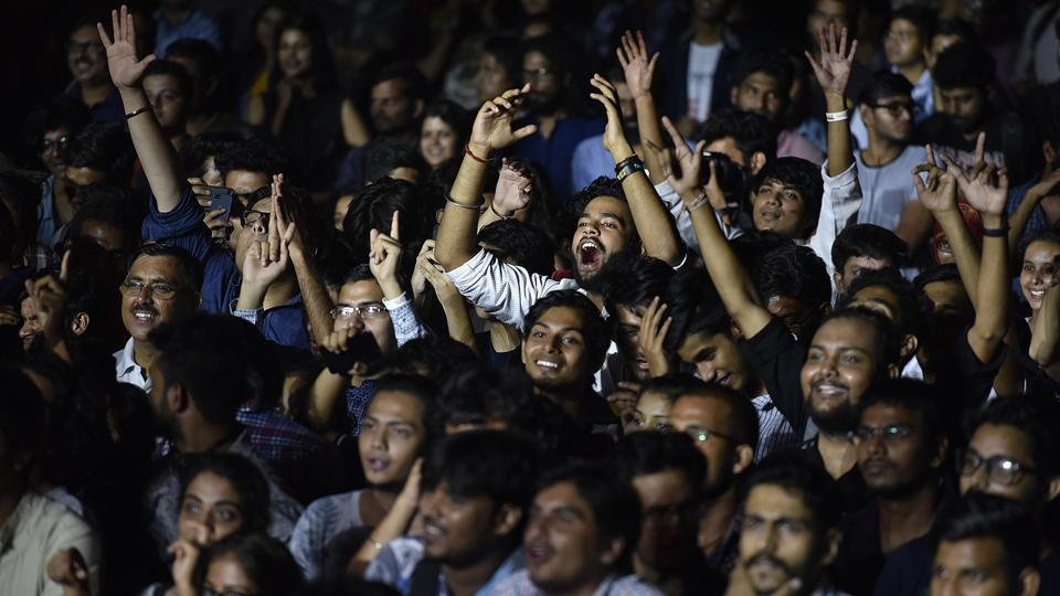 A strong young audience filled the Purana Qila grounds, cheering for their favourite Indian and Asian bands.  (Raj K Raj / HT PHOTO)