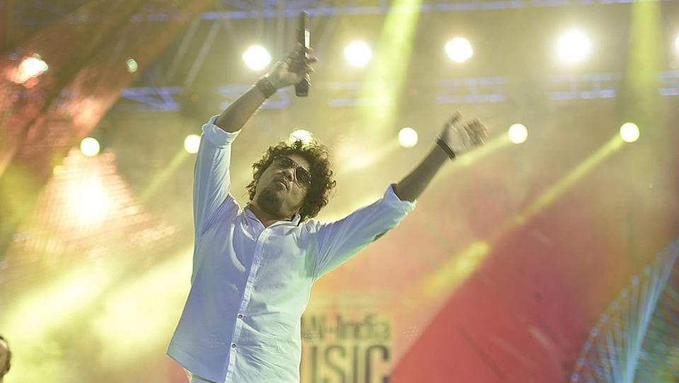 Papon (Angarag Mahanta) performed on the first day of the festival. An already popular singer in his home state Assam, Papon has also made his presence felt as a singer in the Hindi film industry. (Raj K Raj / HT PHOTO)
