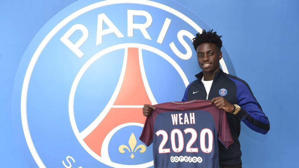 Timothy Weah, the son of George Weah who won the Ballon D'Or in 1995, signed a three year contract with Ligue 1 team Paris Saint-Germain in July.