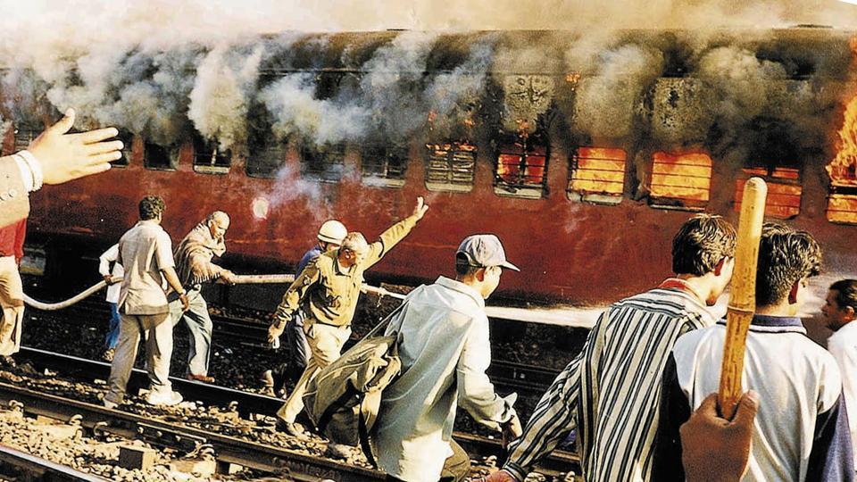 Godhra,2002 Gujarat riots,Godhra train