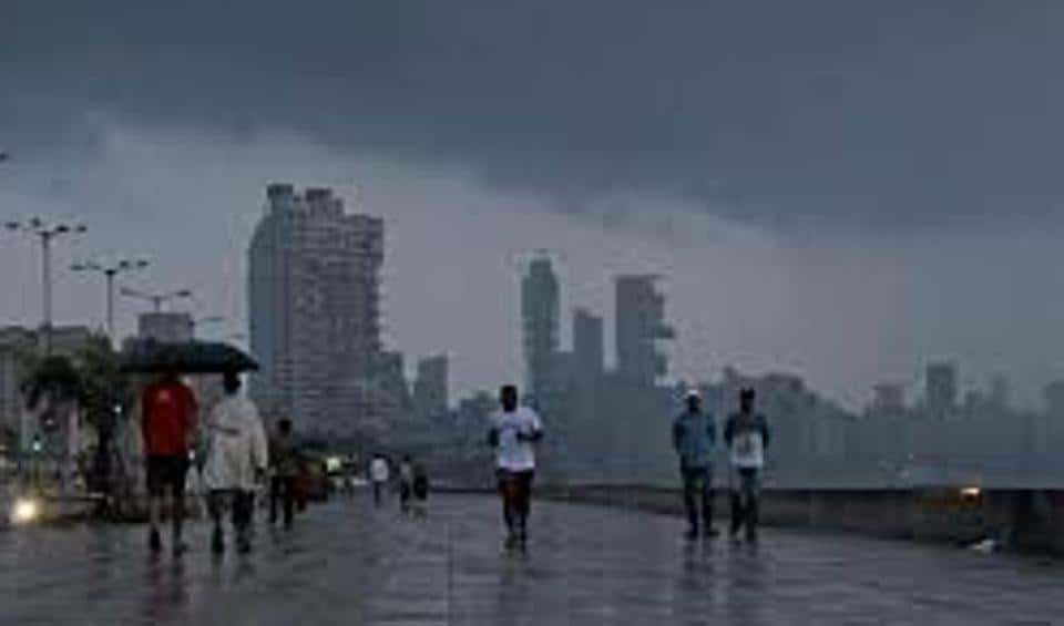 Carry your umbrellas, Mumbaiites, there will be thundershowers this week.