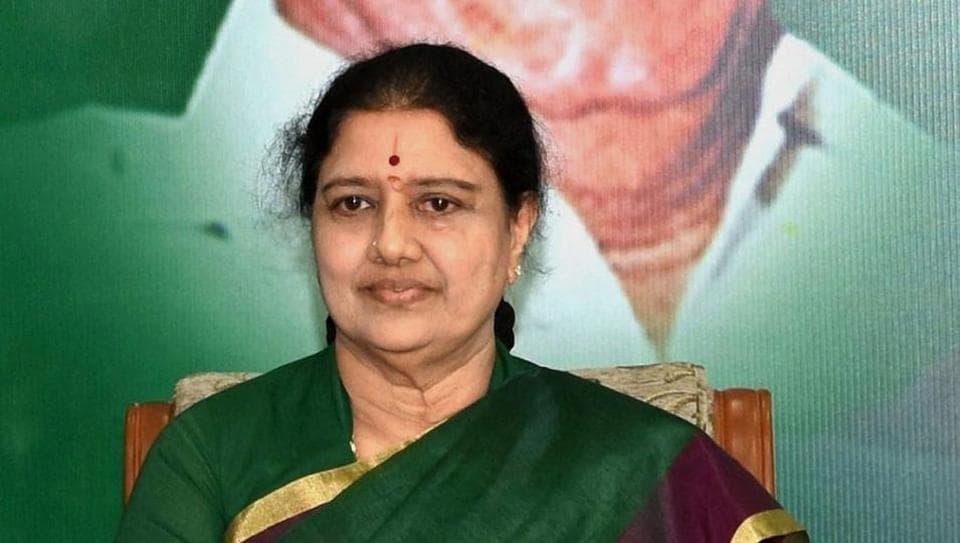AIADMK chief Sasikala,Tamil Nadu minister,Sellur K Raju