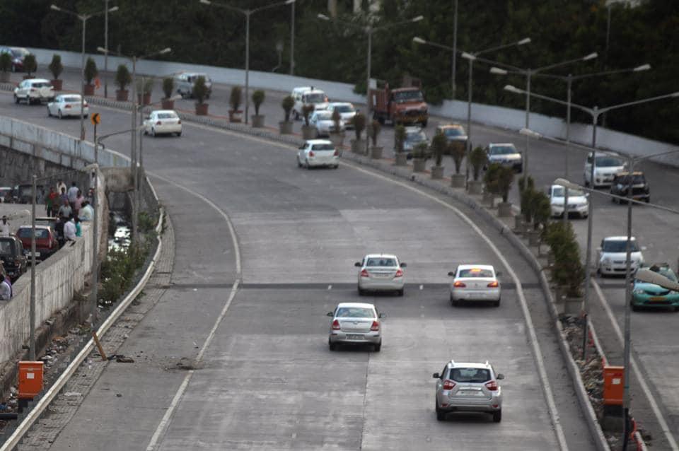 Eastern Freeway,South Mumbai,bike riding