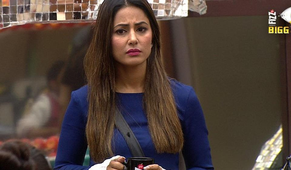A Renowned Stylist Says, Hina Khan Wears Borrowed Clothes In