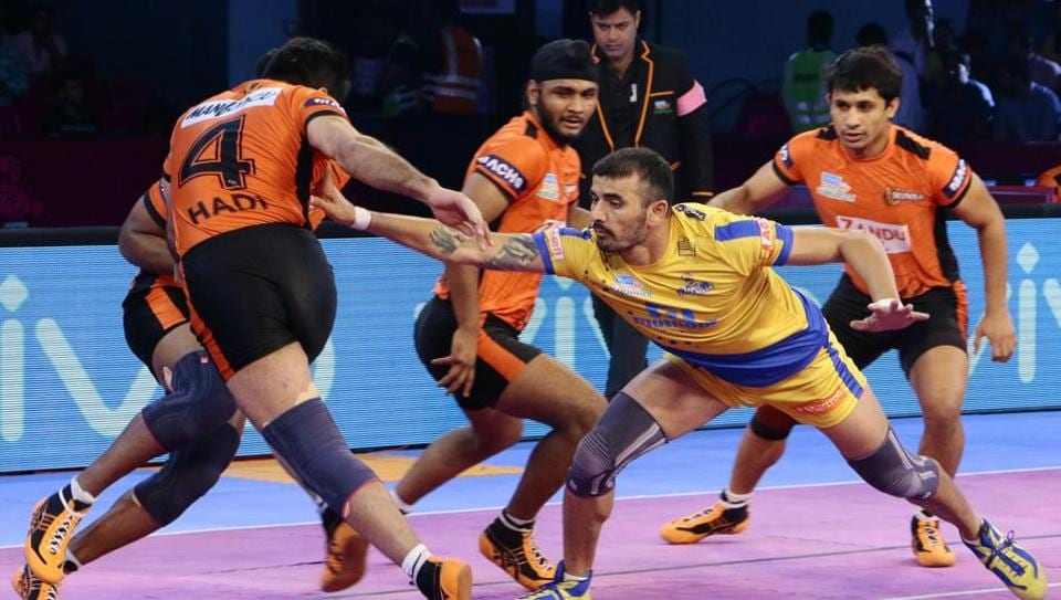 Tamil Thalaivas beat U Mumba 38-35 in the Pro Kabaddi League. U Mumba missed the experience of Anup Kumar and wilted under pressure.