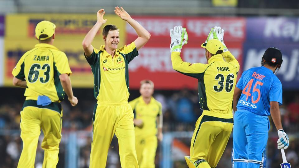 Jason Behrendorff picked up 4/21 as Australia snapped their seven-match losing streak against India in Twenty20 Internationals to level the three-match series 1-1.
