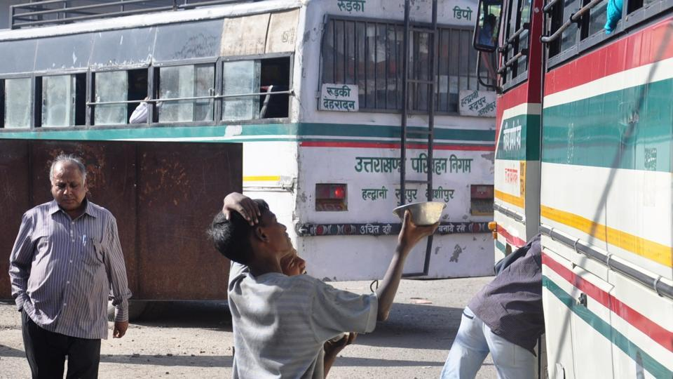 Beggars, including children, continue to be seen asking for alms, especially at busy crossroads and traffic junctions in the state capital.