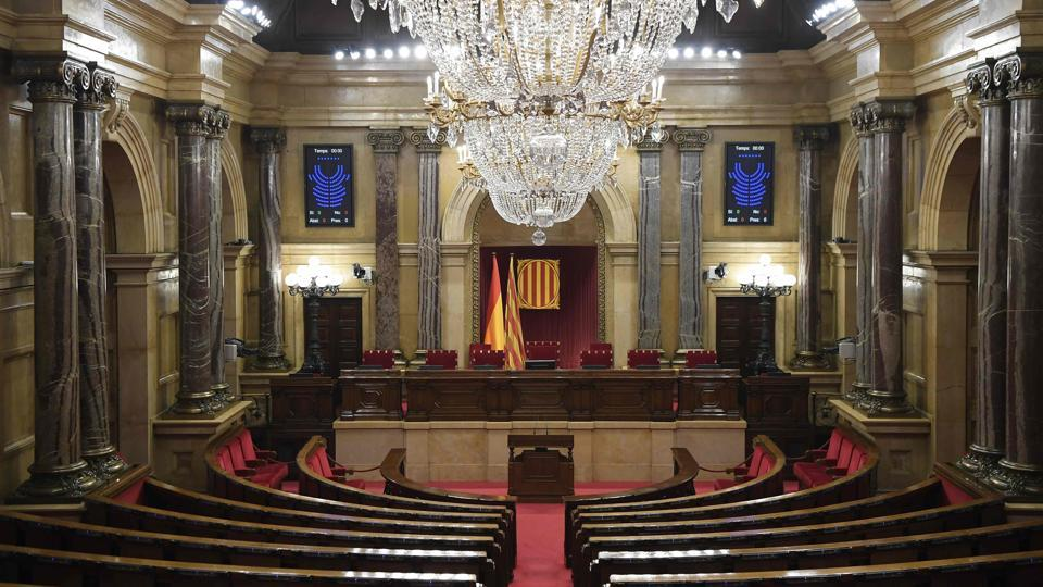 A picture shows the empty interior of the Catalan regional parliament in Barcelona on October 1 ahead of an address by Catalonia's leader.