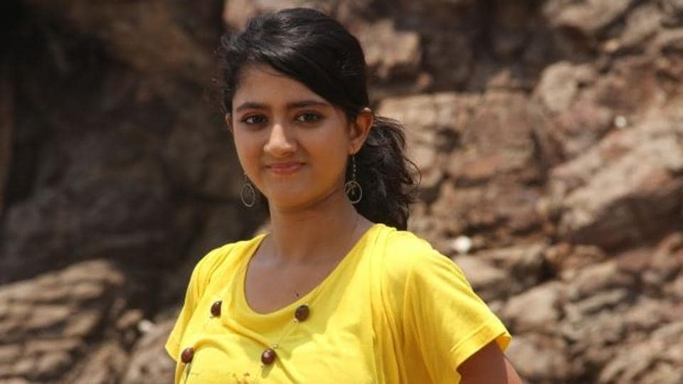 Shriya Sharma has acted in films like Jai Chiranjeeva, Sillunu Oru Kadhal and Dookudu. In Hindi films, she has acted in movies like Laaga Chunari Mein Daag and Chillar Party.