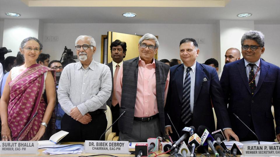 Bibek Debroy, chairman of the Economic Advisory Council to the Prime Minister (EAC-PM), with members Ratan P Watal, Rathin Roy, Surjit Bhalla and Ashima Goyal during a press conference in New Delhi on Wednesday.