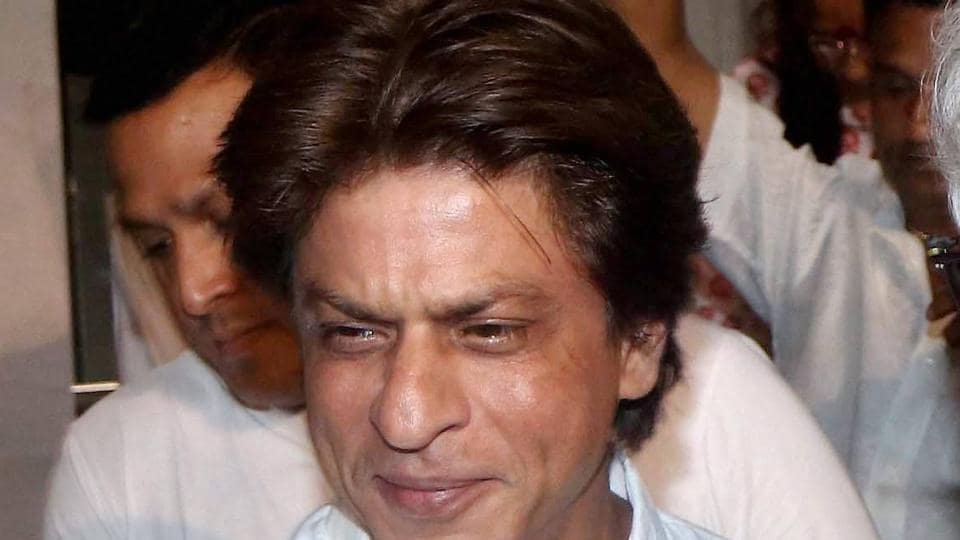 Shah Rukh Khan attends a prayer meeting for the late Bollywood film director Kundan Shah.