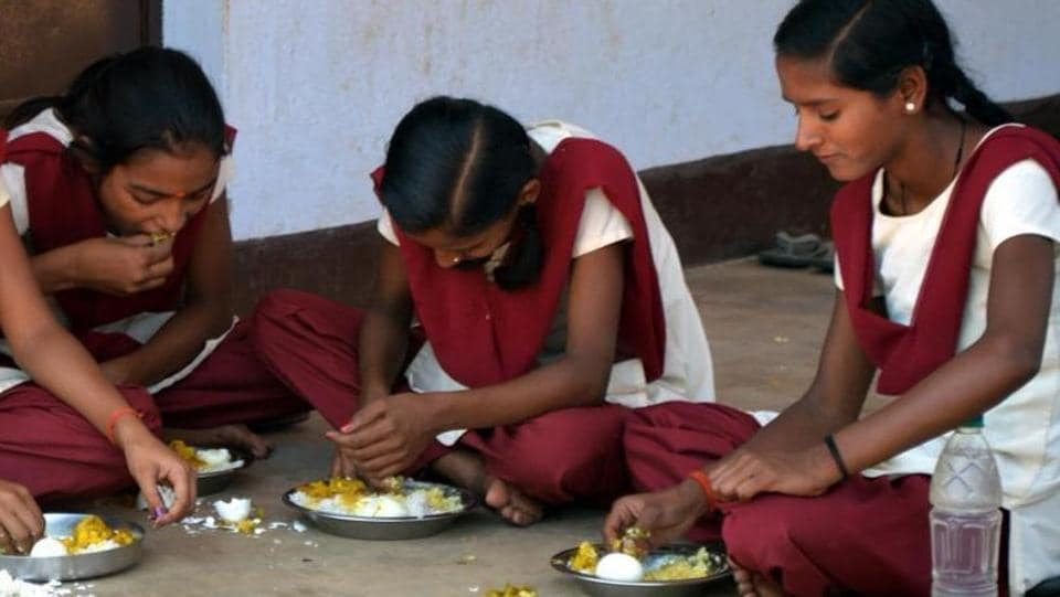 The incident of food poisoning took place at the Ashram Paddati Girls Inter college in Madihan.