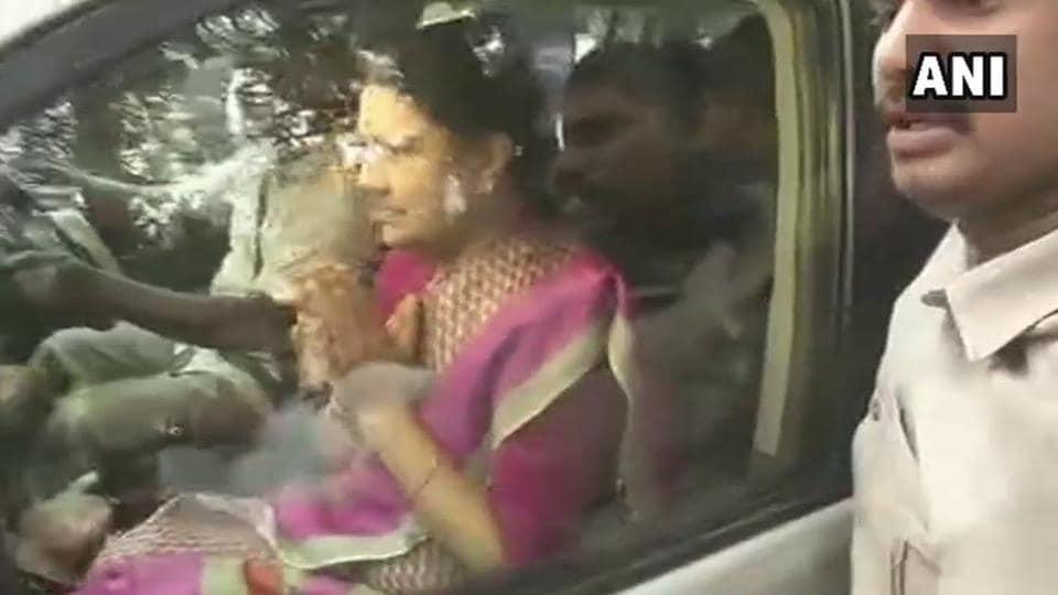 VK Sasikala leaves for Bengaluru's Central prison.