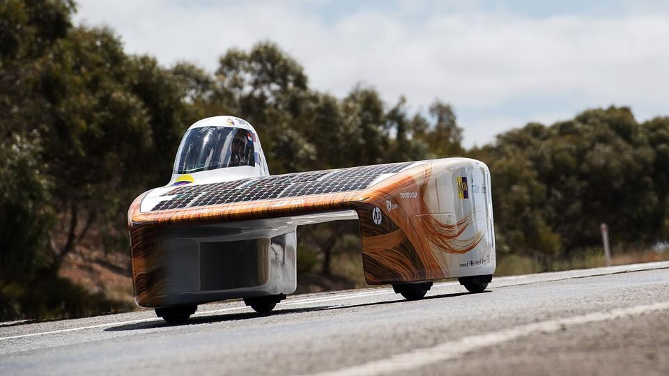 Dutch win World Solar Challenge