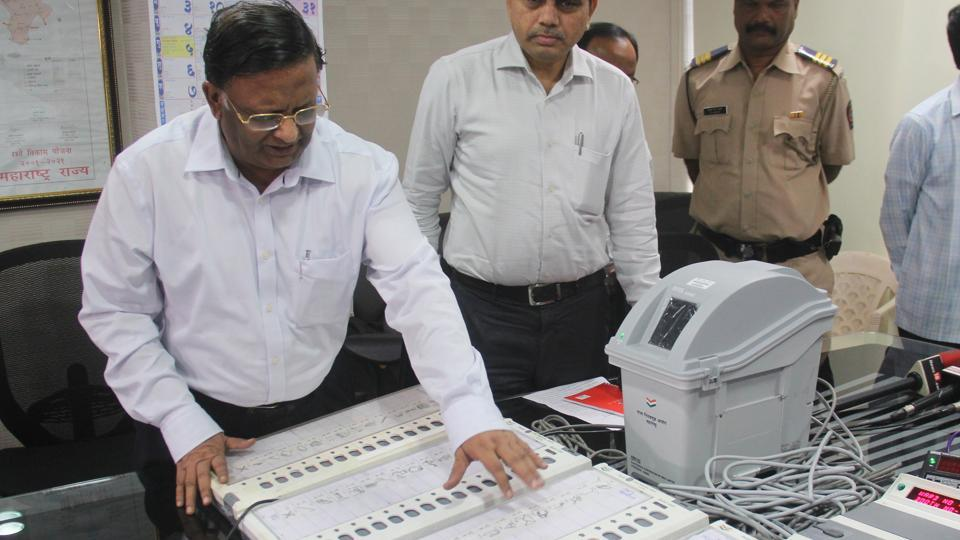 Election Commission,voter-verifiable paper audit trail,VVPAT machines