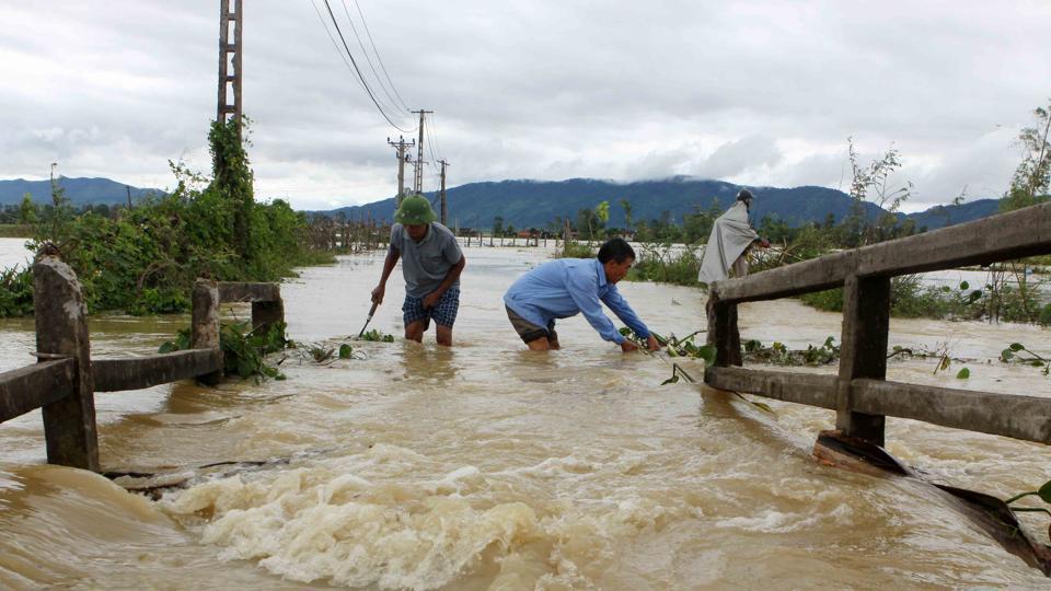 Vietnam,Floods,Landslides