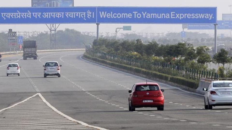 Yamuna Expressway,Yamuna Expressway project,Jaypee Associates