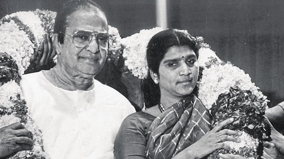 Former chief minister of Andhra Pradesh NT Rama Rao with his second his wife,  Lakshmi Parvathi.