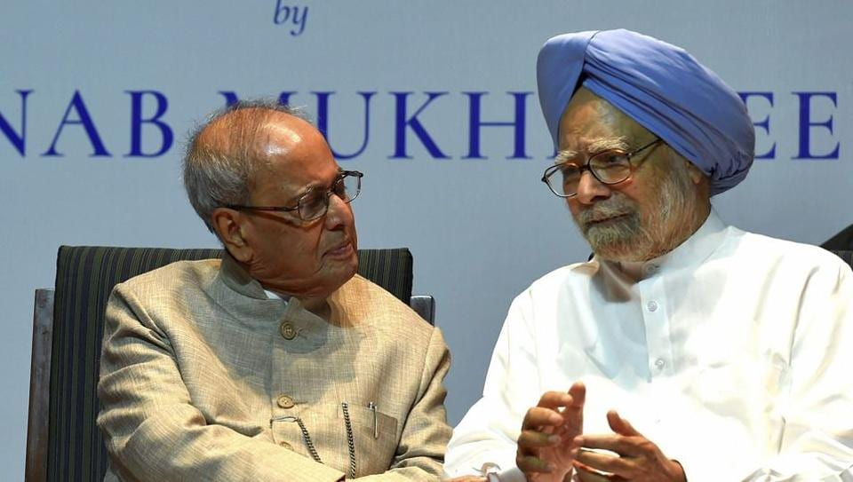 Former President Pranab Mukherjee with former prime minister Manmohan Singh at the release of his book