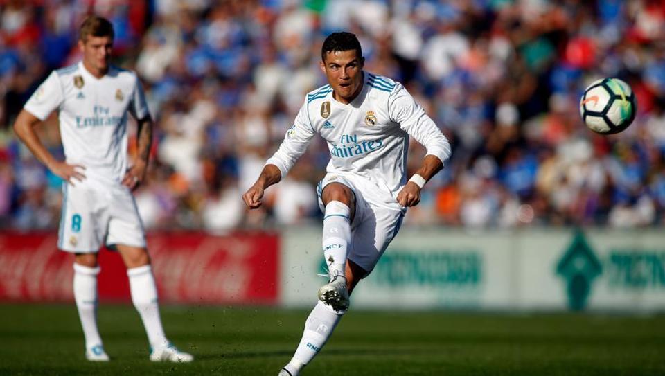Cristiano Ronaldo guided Real Madrid C.F. to a 2-1 win over Getafe CF in La Liga.