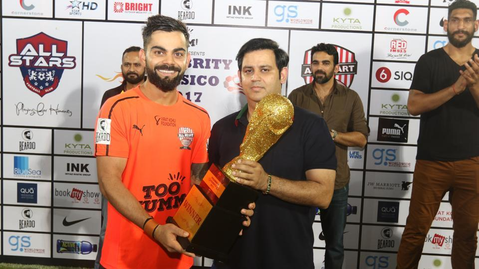 Kohli and the members of the Indian cricket team gave the fans a memorable night in Mumbai. (HT Photo)