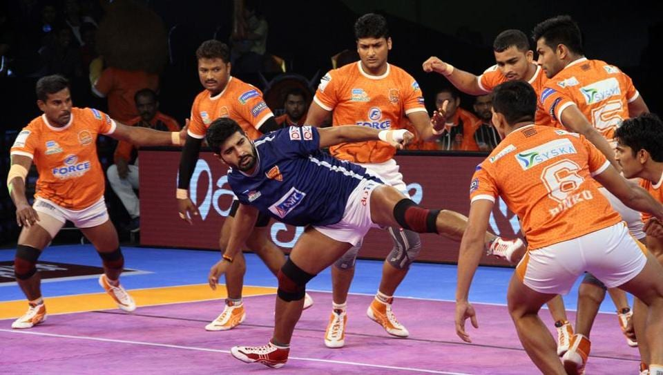Rajesh Mondal's three-point raid equalised the scores 24-24 and then the hosts imposed a all- out on Delhi gaining a narrow but crucial 27-25 lead.
