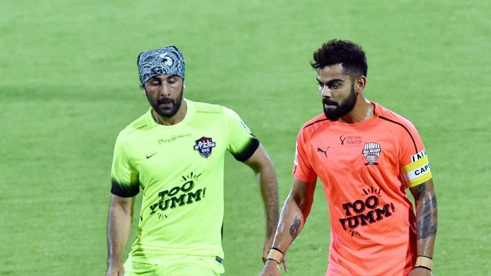 Virat Kohli goes one-on-one against Ranbir Kapoor as All Hearts FC, led by Virat Kohli registered a 7-3 win over Abhishek Bachchan led All Stars football team. (PTI)
