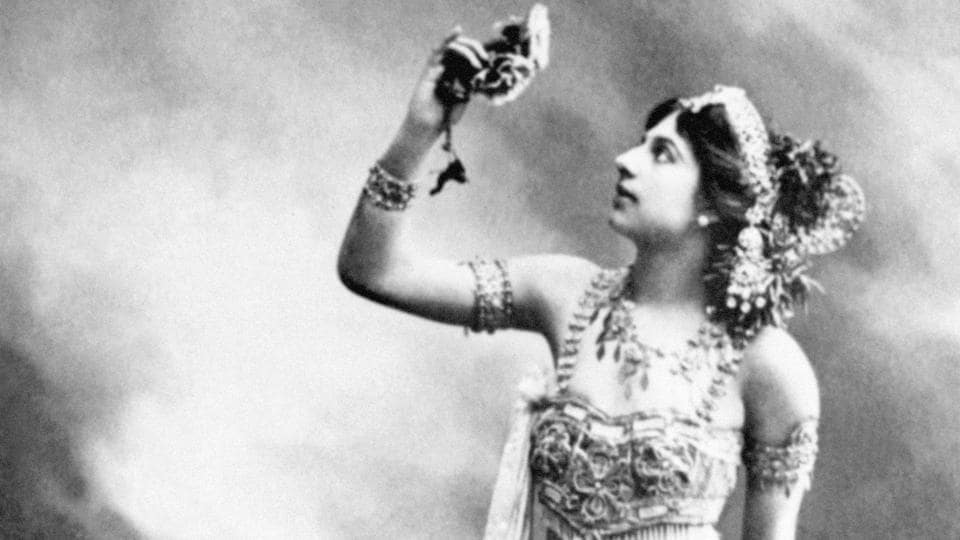 A undated file photo of Dutch dancer and spy Margaretha Geertruida Zelle, better-known as Mata Hari. October 15, 2017 marks the 100 years since the suspected double agent Mata Hari was executed in Paris. She was just 41 when she faced a firing squad, accused of spying for Germany during World War I. Here is a recap of her life of eroticism and intrigue that drew in a string of lovers. (AFP)