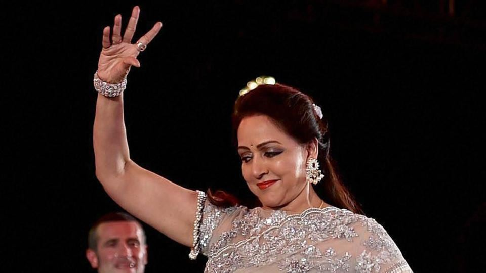 Veteran Bollywood actress and BJP MP Hema Malini performs with the artists during Synergy-a cultural event in Kolkata.