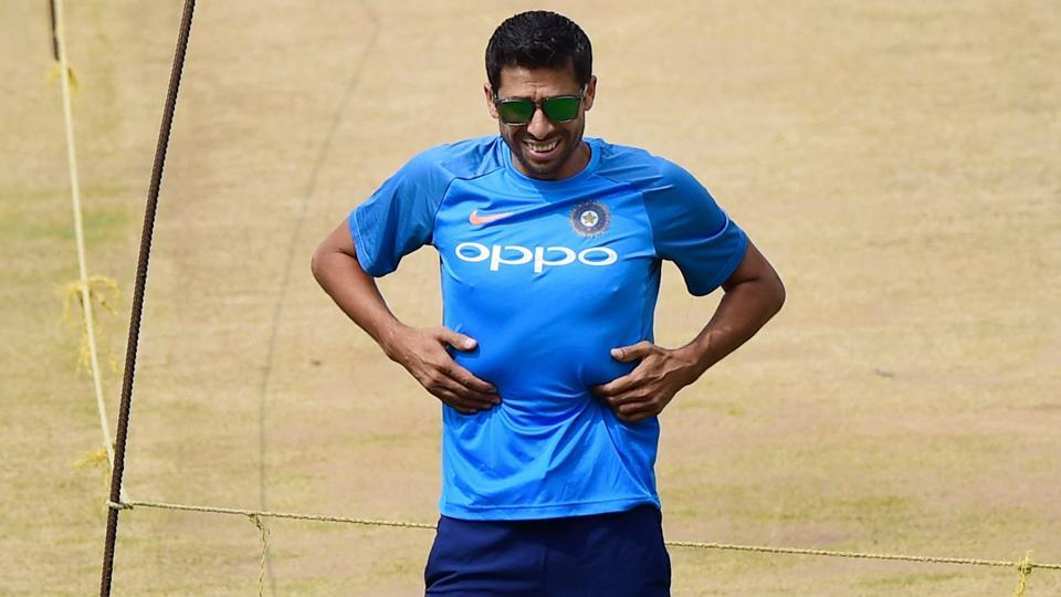 Indian cricketer Ashish Nehra will retire from all forms of the game on November 1.