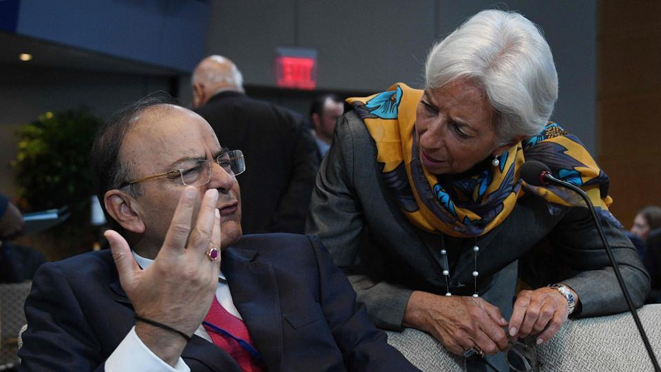 Finance Minister Arun Jaitley (left) talks with IMF Managing Director Christine Lagarde at the World Bank and International Monetary Fund annual meeting in Washington, DC, on Saturday.