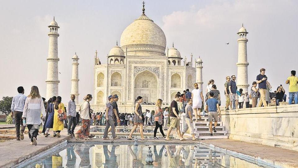 Taj Mahal,Yogi Adityanath,Sangeet Som