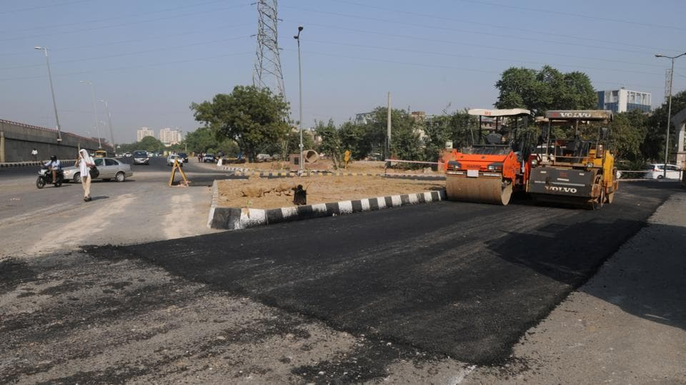 The stretch undergoing repair is situated opposite the new underpass that leads to the Delhi-Gurgaon Expressway.