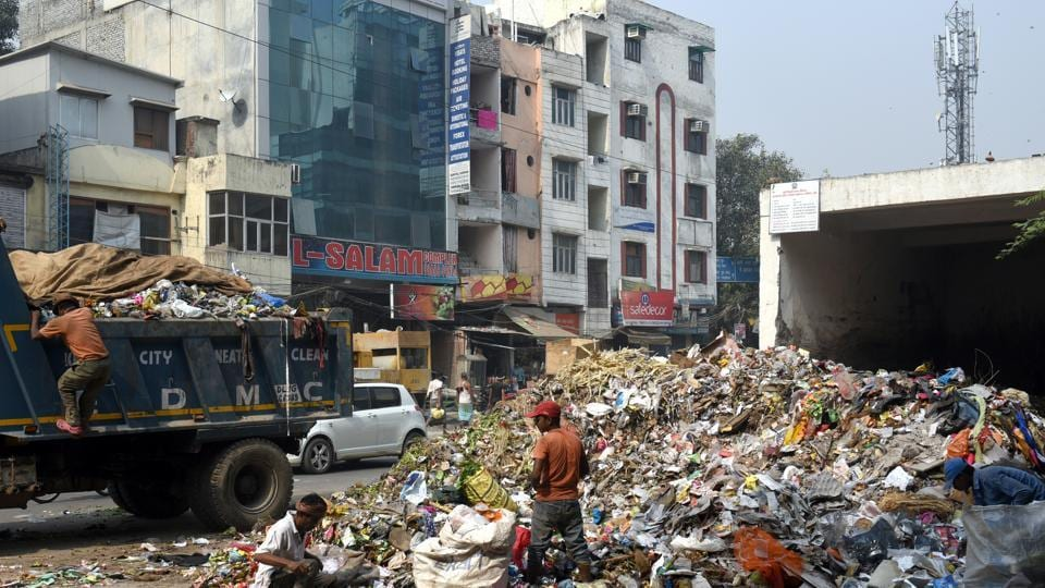 Swatantra Majdoor Sayunkt Morcha, a sanitation union with members in three municipal corporations, made the announcement on Monday, soon after it went on strike.