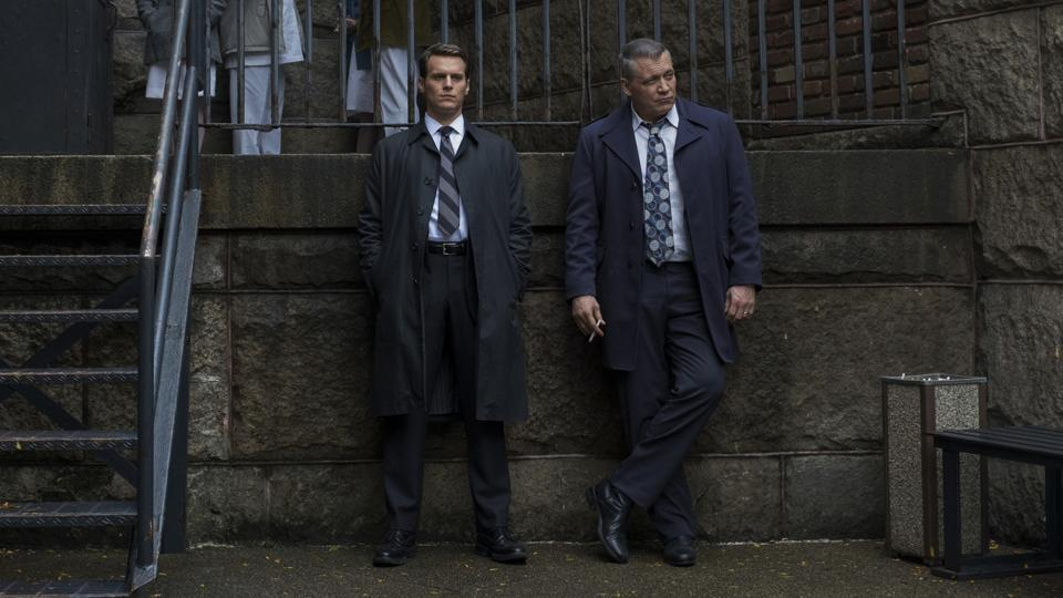Jonathan Groff and Holt McCallany in MINDHUNTER, the news series by David Fincher.