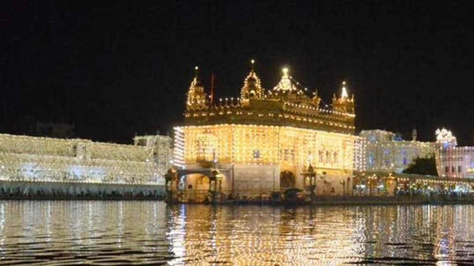 """In 2015, parallel """"jathedar"""" of Akal Takht Dhian Singh Mand succeeded in reading out his message at the Akal Takht on Diwali despite restrictions imposed by the police and the SGPC task force, leading to tension."""