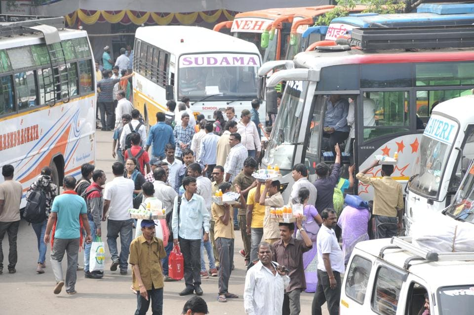 With most offices beginning their Diwali holidays on Thursday, there was heavy rush of passengers on Wednesday.