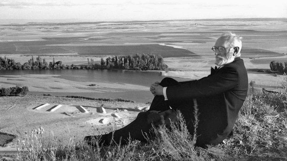 In Salamanca, Spanish photographer José Suárez spent enough time amid Spain's intellectuals. Pictured here is essayist and philosopher Miguel de Unamuno in 1934, as if almost contemplating the depth of the ocean from the headlands.  (José Suárez)