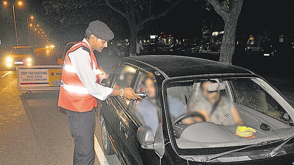 drunken driving,chandigarh news,Chandigarh police