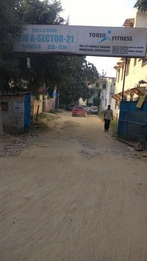 Residents of Sector 21 also voiced worries over the inordinate delay in repairing internal roads which have developed several big potholes and pose inconveniences in commuting.
