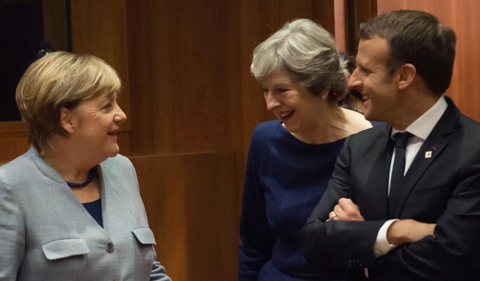 Twitter,Macron May Merkel,Theresa May