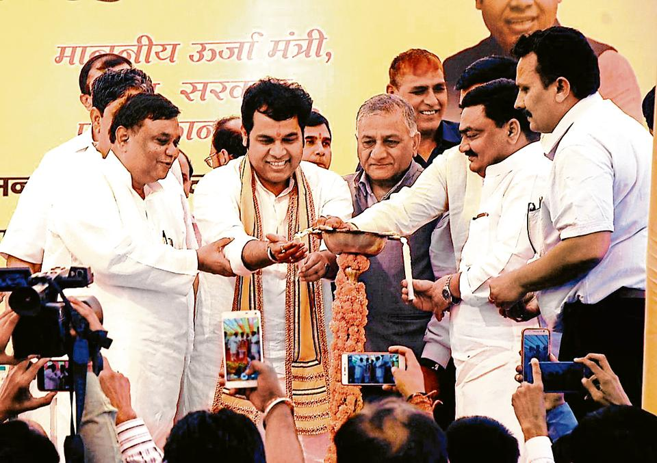 Uttar Pradesh power minister Shrikant Sharma (centre) inaugurated the sub-stations at an event in Indirapuram, Ghaziabad, on Saturday. Ghaziabad MP general VKSingh (retd) and other senior officers of state electricity department were also present.