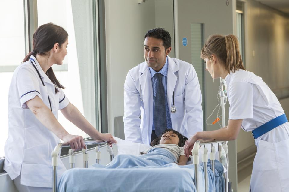 Of an estimated 950,000 physicians in the US, 100,000 are of Indian origin.