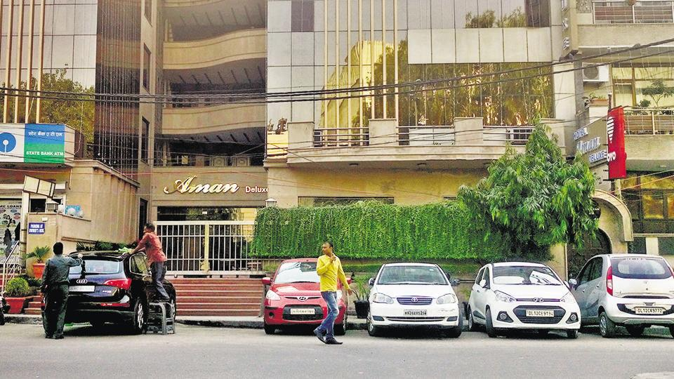 The deceased duo reportedly lied to the staff at Aman Deluxe hotel in west Delhi's Rajouri Garden by saying they were married to each other.